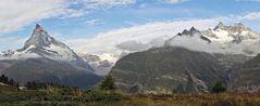 Vom  Matterhorn  bis Obergabelhorn und Wellenkuppe von weit unten....