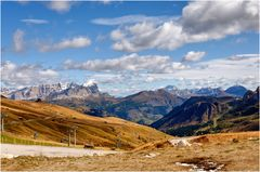 Vom Pordoijoch 2239 m Richtung Cortina d' Ampezzo