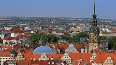 Vom Schauspielhaus (Großes Haus) über Zwinger und Schloss bis zum Hausmannturm...