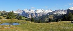 Vom Sellajoch bei Langkofel und Co die Berge in 4 Staffeln...