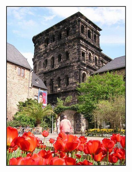 Vom Stadttor zur Kirche bis zum Touristenmagnet...