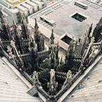 Vom Vierungsturm des Kölner Doms 90° nach unten