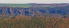 Von der Festung Königstein sieht man jetzt auch zur Lokomotive und zur Hocksteinschänke,