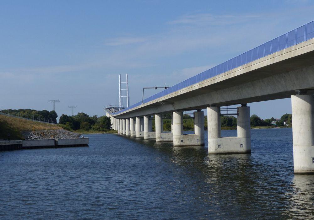 Von der Rügenbrücke gehts auf..
