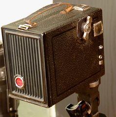 °°° Von hinten gesehen - der Film ist drin - die Linse geputzt - das Model - es fehlt °°°