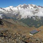 Von HohSaas aus 3200m ein perfekter Überblick über  das Tal zu den  Bergen...
