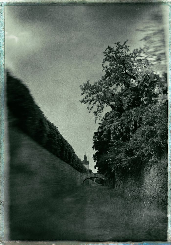 von Mauern und Brücken