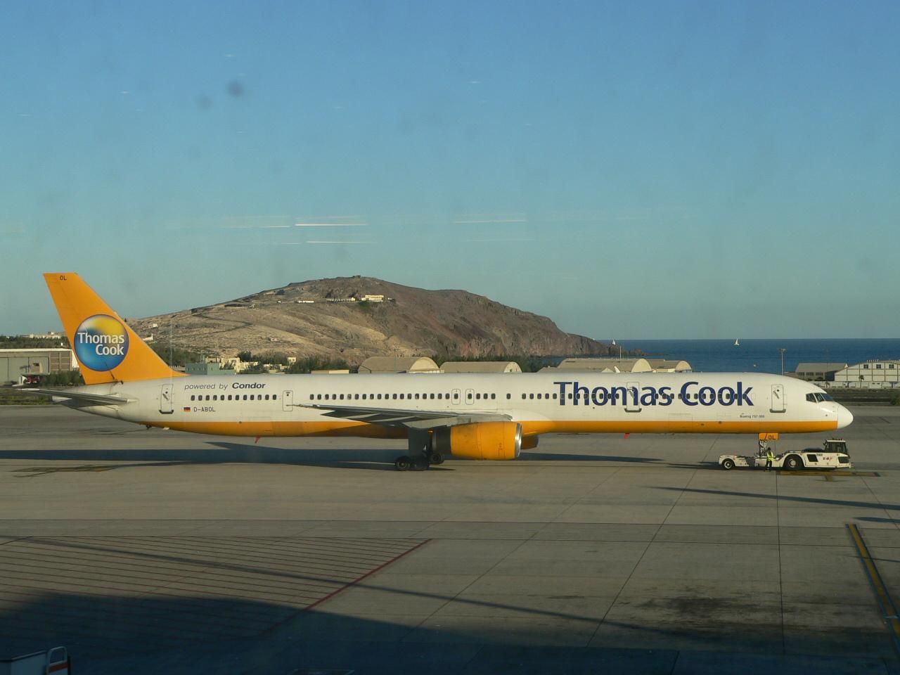 von Thomas Cook (Condor) eine 757-300