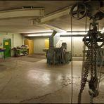 Von Unilever-Hochhaus zum Emporio Tower alte Aufzüge