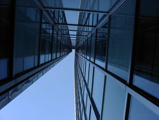 Von unten nach oben alles Glas und Stahl