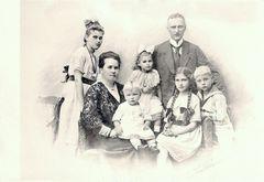 vor 100 Jahren: Familienfoto in Magdeburg