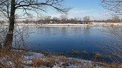 Vor 5 Tagen war noch strahlende Sonne und Winter an der Elbe...