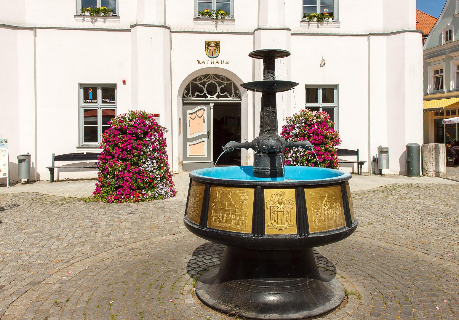 Vor dem Rathaus in Wolgast