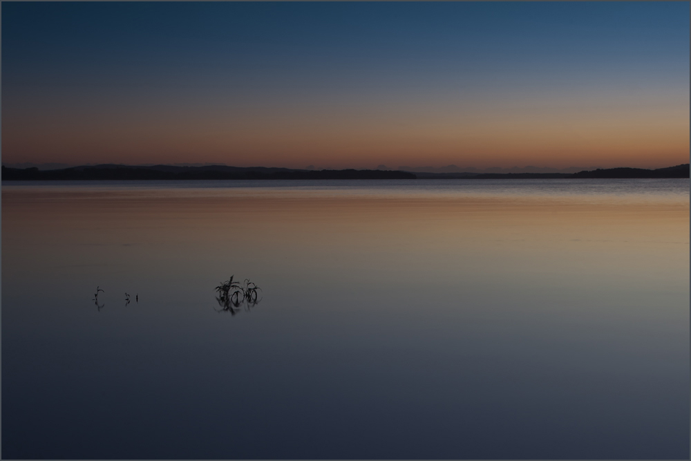Vor dem Sonnenaufgang am See