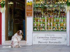 Vor der Feinbäckerei in Burano