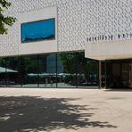 Vorarlberg Museum mit Blüten aus Beton