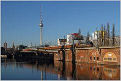Vorbei am S-Bhf Jannowitzbrücke...