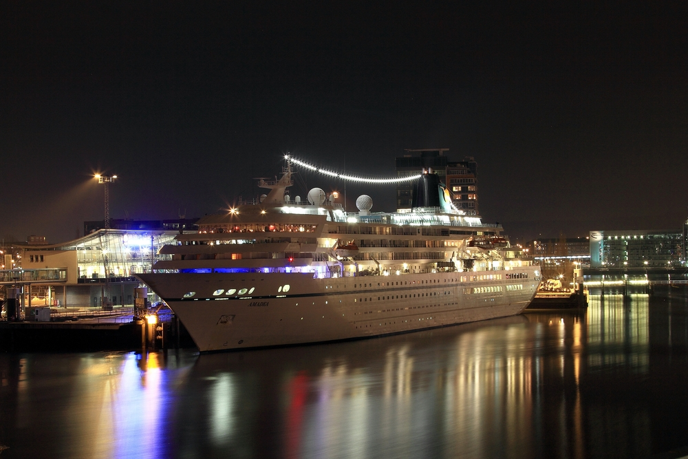 Vorweihnachtszeit im Kieler Hafen