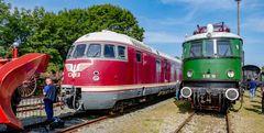 VT 08.520 und Ellok 18.19