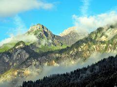 Vue de notre terrasse ce matin! --- Aussicht auf die Berge heute früh!