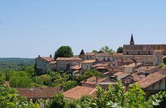 Vue des toits d'Aubeterre sur Dronne