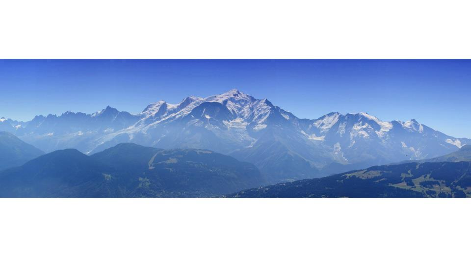 Vue du Mont-Blanc depuis le plateau des Bénés