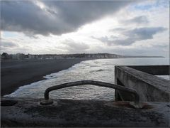..Vue du phare de Dieppe..