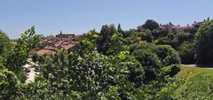 Vue générale de Aubeterre sur Dronne (Charente)
