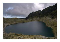 *Vue sur lac de montagne*