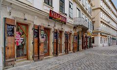 VULCANIA, Wein und Bier Pub