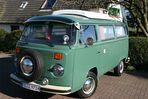VW-Bulli mit Klimaanlage ( auf dem Amaturenbrett )