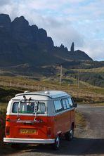 """VW-Bus und der """"Old Man of Storr"""""""