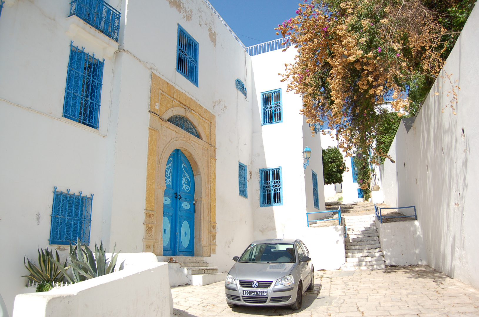 VW in Sidi Bou Saïd (Tunesien)
