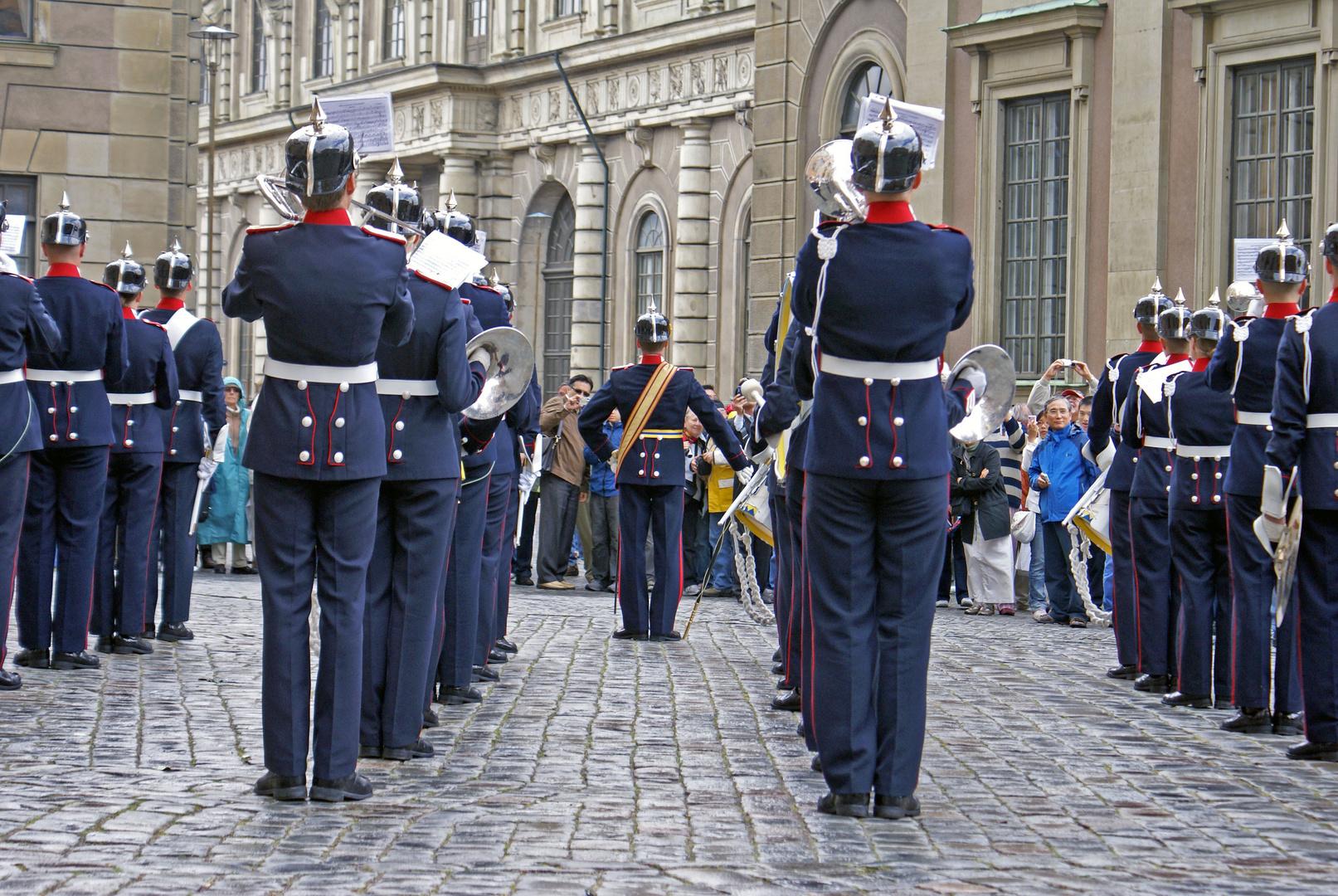 Wachwechsel am Stadtschloss Stockholm