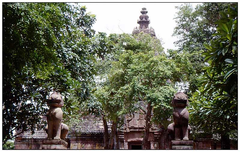 Wächter der einmaligen Khmerkunst - Prasat Hin Phanom Rung, Isaan