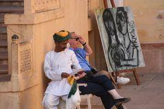 Wächter, Tourist und das Bild  - India street ca-16-col