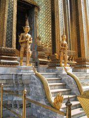 Wächterfiguren im Wat Phra Keo