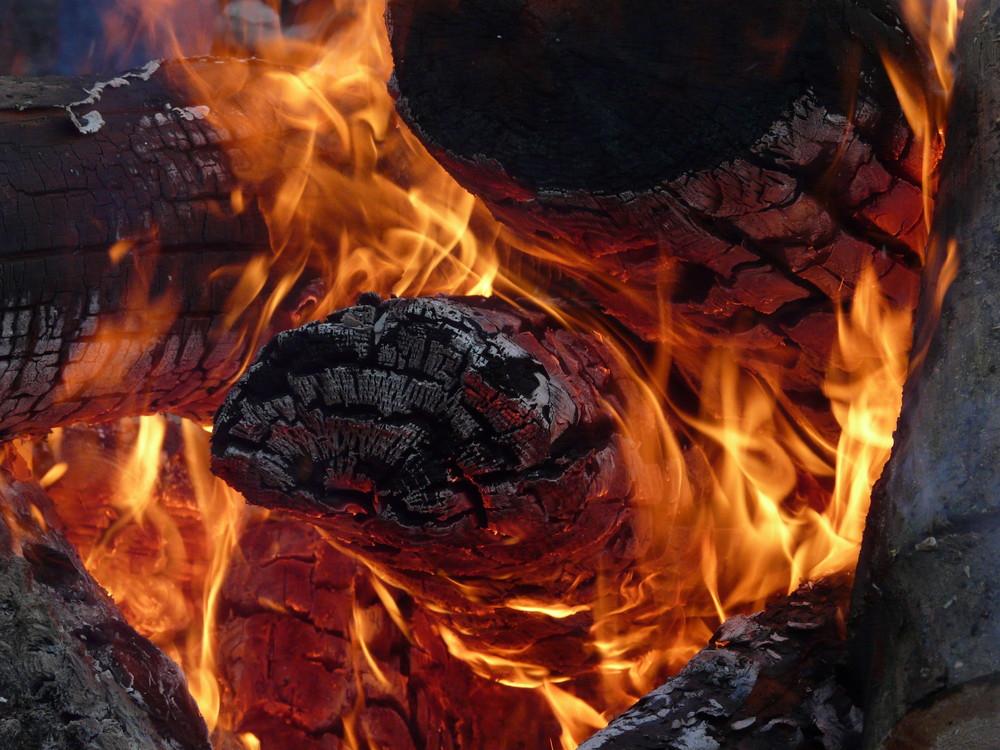 wärmendes Feuer