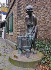 Wäscherinnen - Brunnen