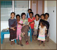 Waisenkinder auf Flores/Indonesien