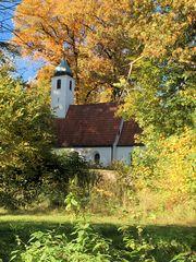 Waldkirchlein im Herbst