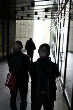 WALK Schattenfiguren Passage W-02-sw FotoNews +8Fotos
