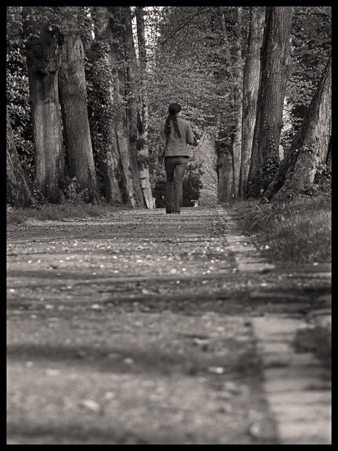 walking girlgood bye love