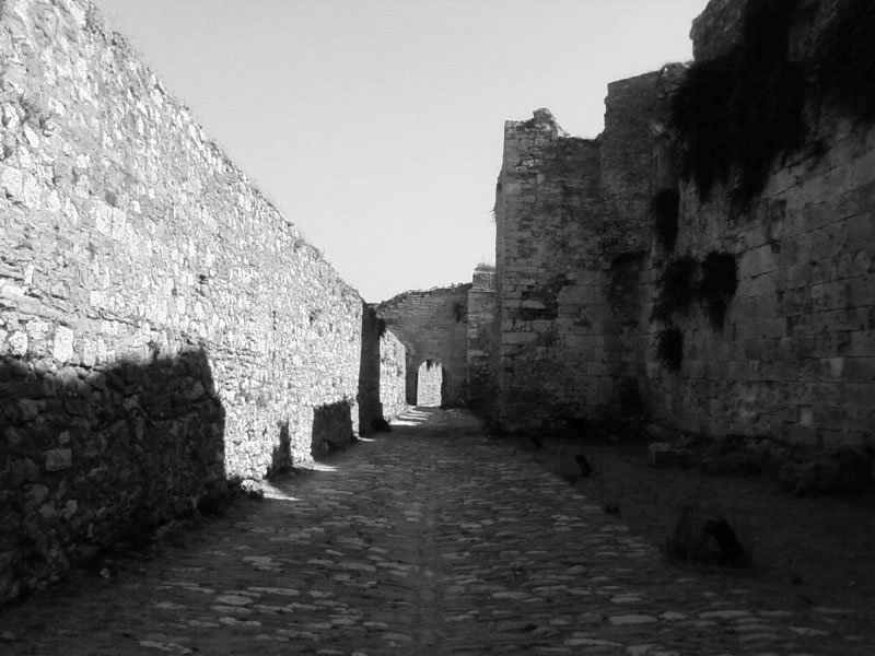 Walking in the ruined castle of Methoni