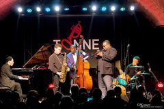 WALLACE RONEY GROUP [usa]