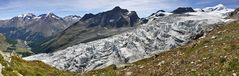 Walliser Feegletscher vor der Bergkulisse in Saas Fee an einem besonders schönen Tag...