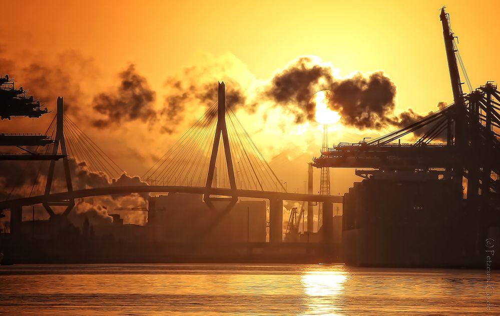 Waltershofer Hafen Sonnenaufgang | 20 min später