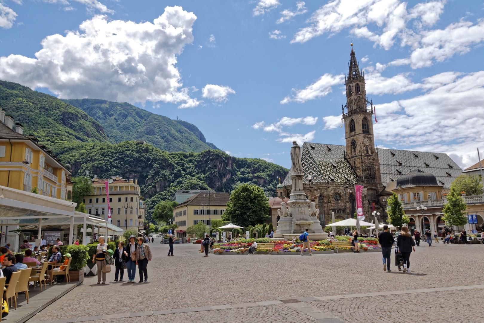 Walther vo der Vogelweide Plaza Bolzano