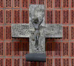 Wand-Kreuz Dreifaltigkeits-Kirche