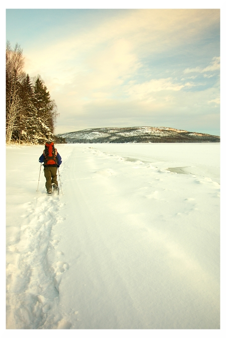 Wandern auf dem zugefrorenen Meer